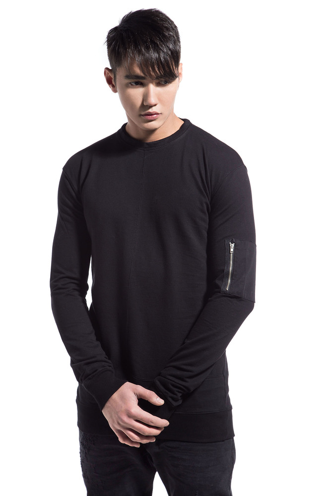 SLEEVE POCKET SWEATSHIRT BLACK