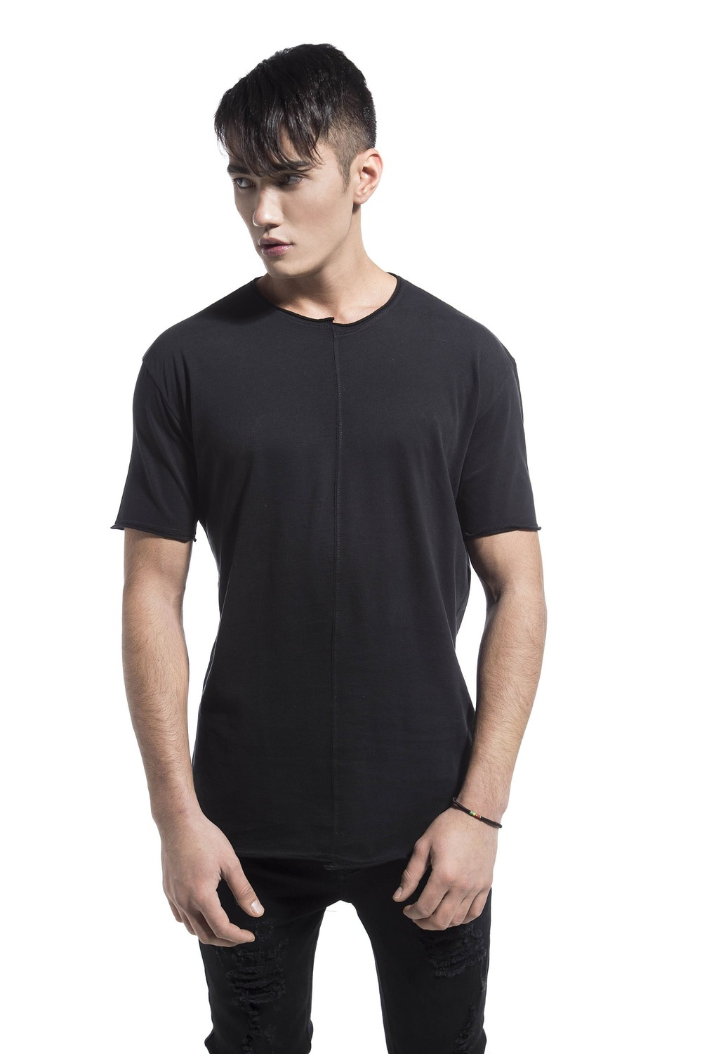 PEACH FEELING WRY NECK TEE BLACK